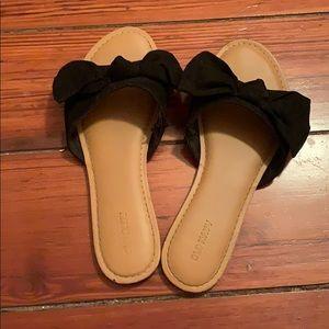 Black Bow Slides